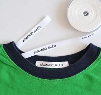 Etiqueta para coser en la ropa
